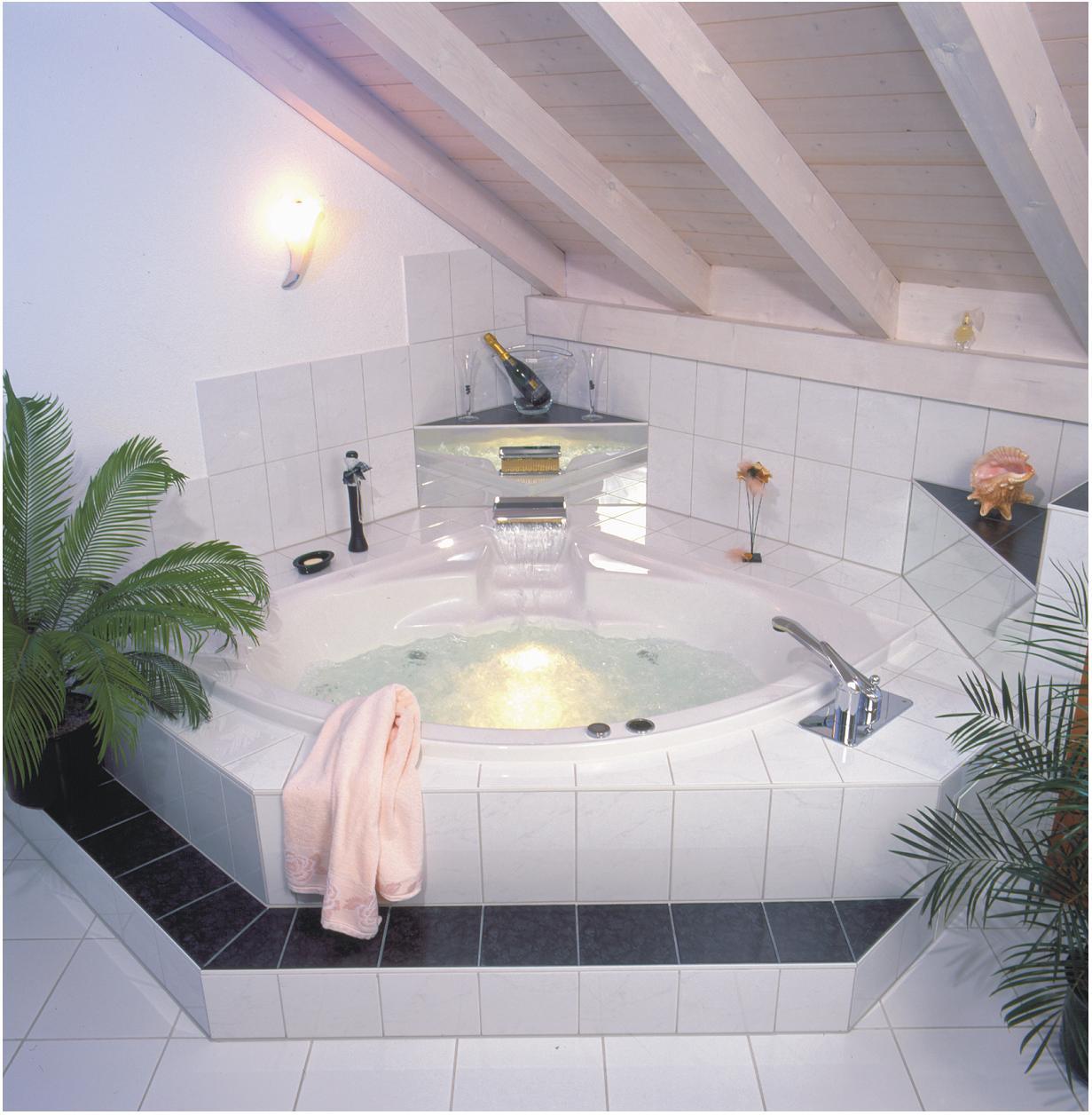 whirlpoolwannen. Black Bedroom Furniture Sets. Home Design Ideas